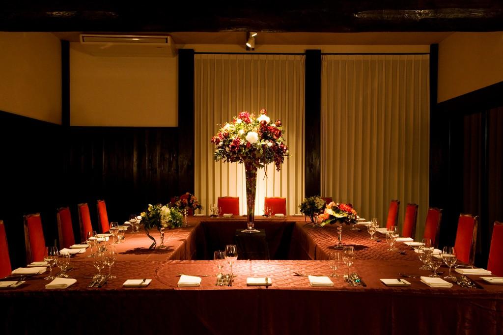 お食事にも、会議にも!個室あります◎